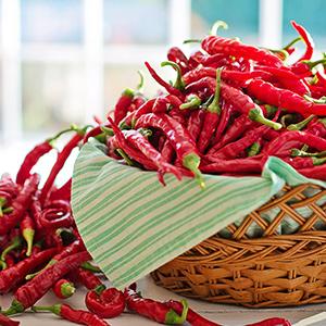 cayenne-peppers-2779834_1920-1.jpg